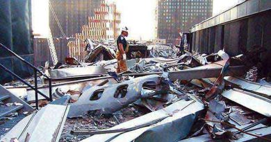 9/11 plane crash in to wtc